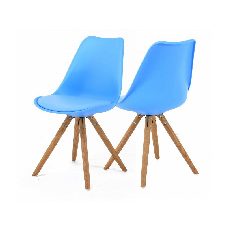 2 chaises nordiques en plastique et bois bleues cross trendy homes. Black Bedroom Furniture Sets. Home Design Ideas